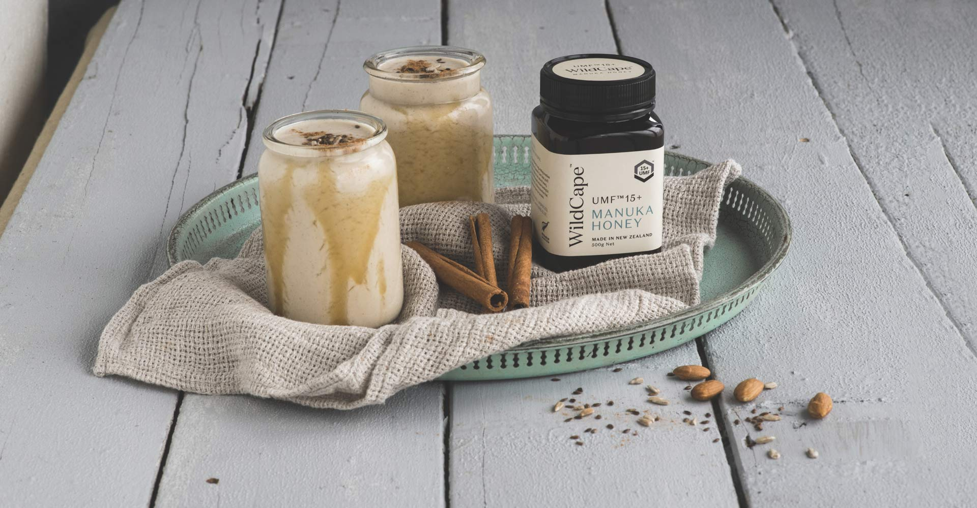 MANUKA HONEY CINNAMON SMOOTHIE